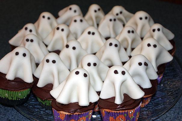 Babeczki duszki na Halloween