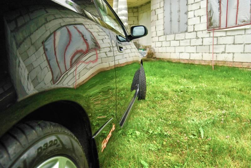 Moje drugie auto - Honda civic po wypolerowaniu i nałożeniu wosku. Lakier stał się niczym lustro