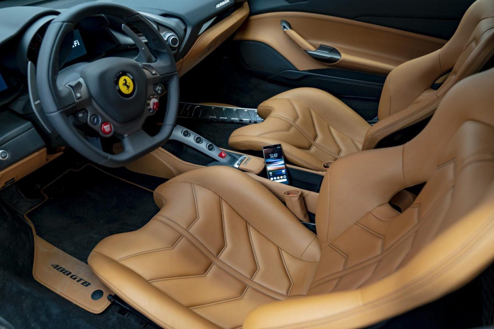 Xperia 10 i Ferrari 488 GTB – połączenie dla wymagających